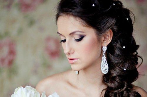 Профессиональная свадебная прическа с учетом образа невесты