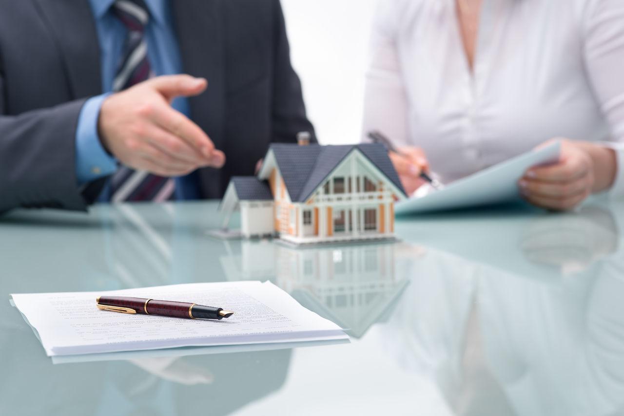 Чем занимается юрист по недвижимости