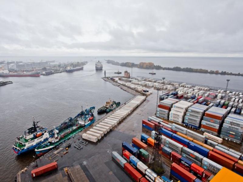 Доставка грузов через порт Усть-Луга