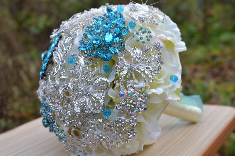 Свадебные брошь–букеты – аксессуары для настоящей королевы!