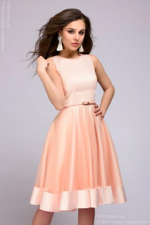 Приобретение женского платья в интернет-магазине Тюмени